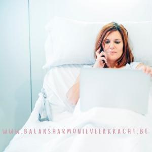 vrouw burn-out symptomen signalen hospitaal ziekenhuis
