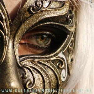 burn-out: maskeren gevoelens verbergen innerlijke leegte burn-out